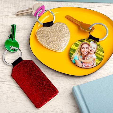 Portachiavi Glitter Portachiavi personalizzati con glitter nei formati a cuore,rotondo e rettangolare